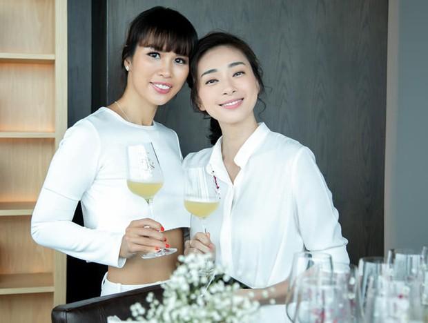 Hà Tăng diện sắc trắng nền nã, rạng rỡ hội ngộ Ngô Thanh Vân, Đông Nhi cùng dàn mỹ nhân Vbiz - Ảnh 7.