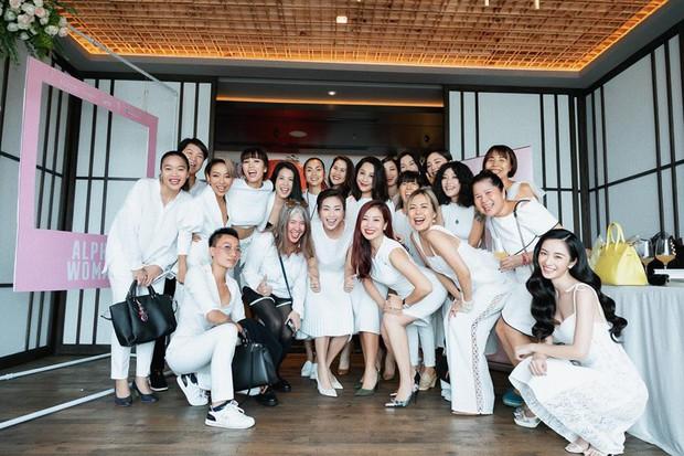 Hà Tăng diện sắc trắng nền nã, rạng rỡ hội ngộ Ngô Thanh Vân, Đông Nhi cùng dàn mỹ nhân Vbiz - Ảnh 11.