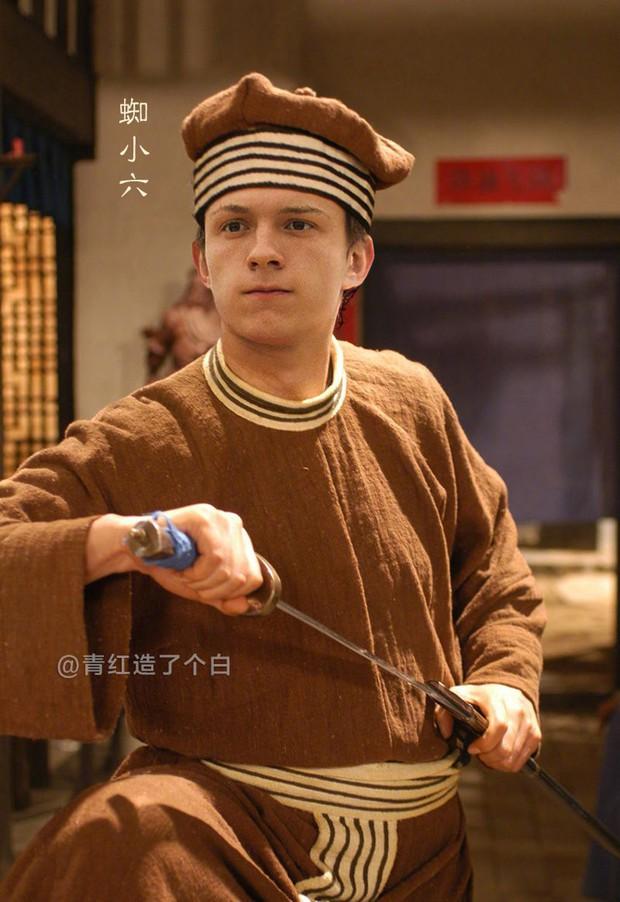 Endgame phá đảo phòng vé xứ Trung, dân mạng rần rần chia sẻ hình ảnh các Avengers mặc đồ cổ trang - Ảnh 8.