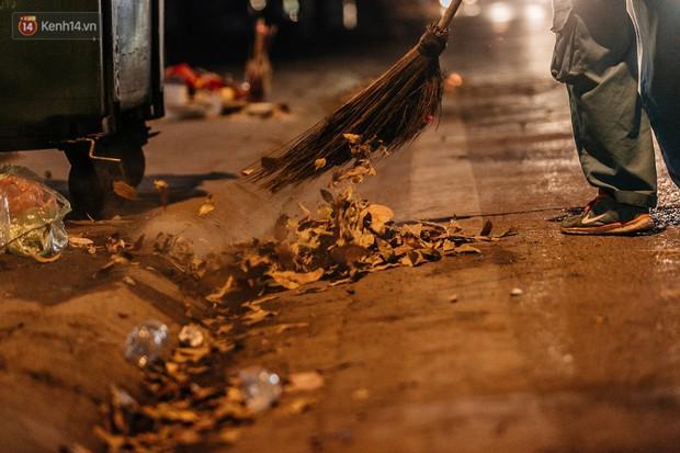 Sự ra đi của nữ công nhân môi trường và nỗi ám ảnh người ở lại: Những phận đời phu rác bám đường phố Hà Nội mưu sinh - Ảnh 15.
