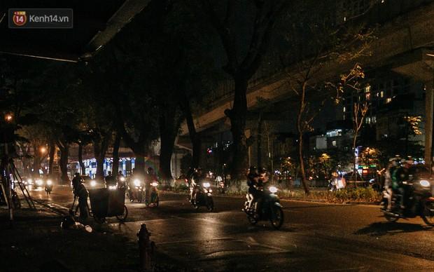 Sự ra đi của nữ công nhân môi trường và nỗi ám ảnh người ở lại: Những phận đời phu rác bám đường phố Hà Nội mưu sinh - Ảnh 5.