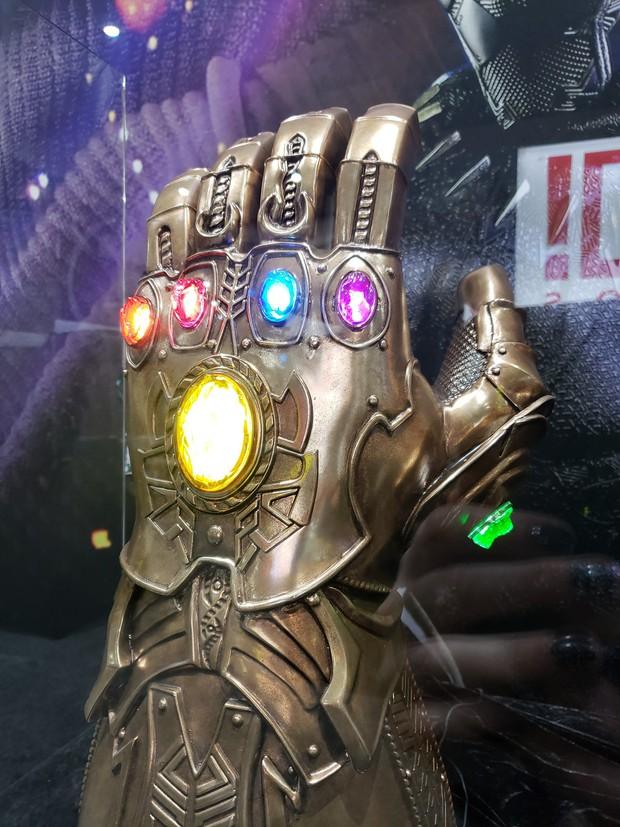 Thanos chắc sẽ búng tay hủy diệt tất cả nếu thấy găng tay vô cực bị hội Avengers làm biến dạng thế này! - Ảnh 8.