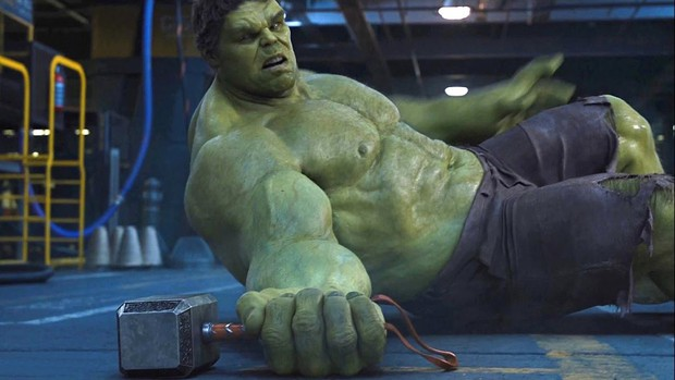 Thanos chắc sẽ búng tay hủy diệt tất cả nếu thấy găng tay vô cực bị hội Avengers làm biến dạng thế này! - Ảnh 4.