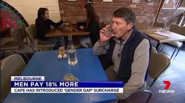 Úc: Quán cà phê ưu tiên nữ giới, bắt đàn ông phải trả thêm tiền cuối cùng đã sập tiệm - Ảnh 2.