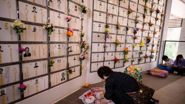 Hong Kong: Đất để chôn cất người chết đắt đỏ hơn cho người sống - Ảnh 3.
