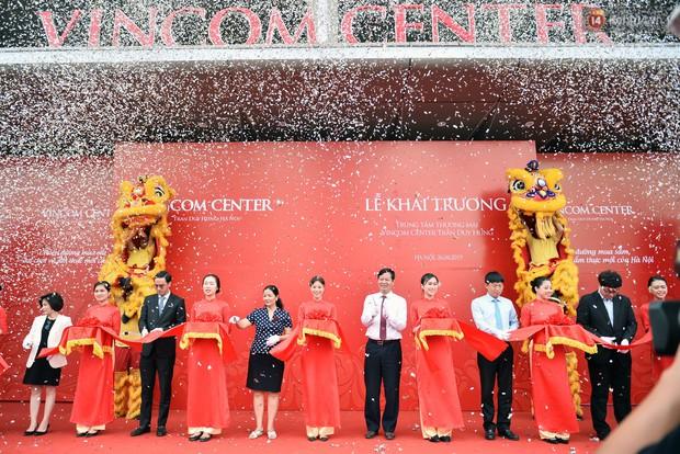 Hà Nội: Chính thức khai trương Vincom Center thứ 10 tại Trần Duy Hưng - Ảnh 1.