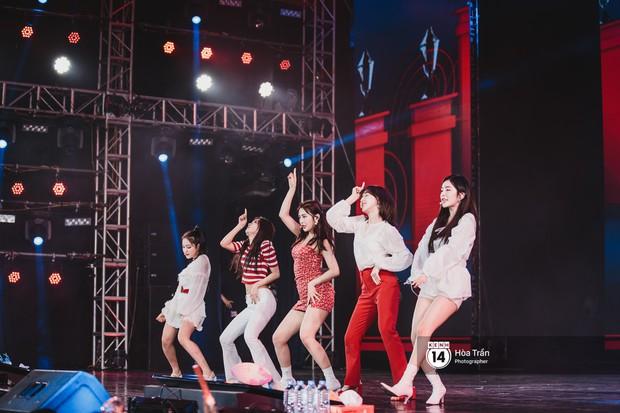 Red Velvet và Weki Meki sexy khó cưỡng, Jeong Sewoon như lãng tử bên dàn sao Vpop tại show âm nhạc Hàn - Việt - Ảnh 3.