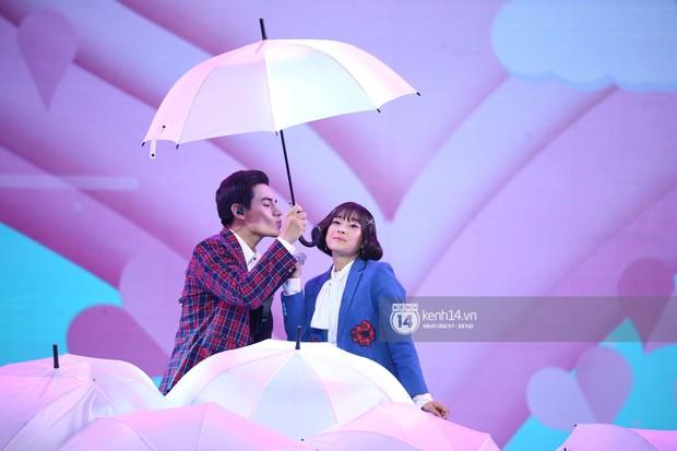 Red Velvet và Weki Meki sexy khó cưỡng, Jeong Sewoon như lãng tử bên dàn sao Vpop tại show âm nhạc Hàn - Việt - Ảnh 17.