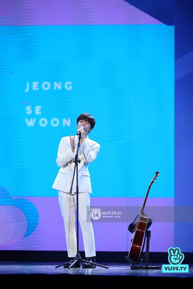 Red Velvet và Weki Meki sexy khó cưỡng, Jeong Sewoon như lãng tử bên dàn sao Vpop tại show âm nhạc Hàn - Việt - Ảnh 9.