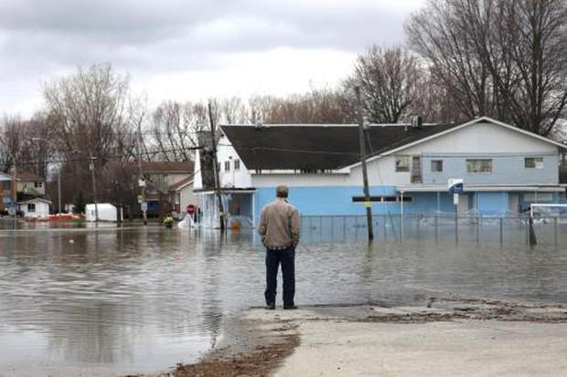 Canada ban bố tình trạng khẩn cấp tại thủ đô Ottawa về lũ lụt - Ảnh 1.