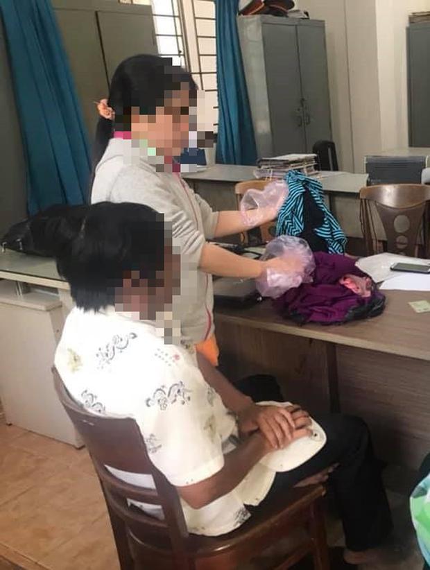 TP.HCM: Bé gái 11 tuổi trong 2 năm nghi bị 2 ông già xâm hại, bố mẹ nghèo bất lực không thể đòi công bằng cho con - Ảnh 2.