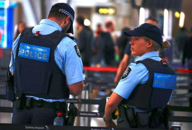 Cảnh sát Australia bắt 1 đối tượng khả nghi ngoài nhà thờ ở Melbourne - Ảnh 1.