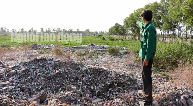 Vụ hơn 300 thi thể thai nhi ở nhà máy rác: Đã đào một số mộ chôn cất - Ảnh 1.