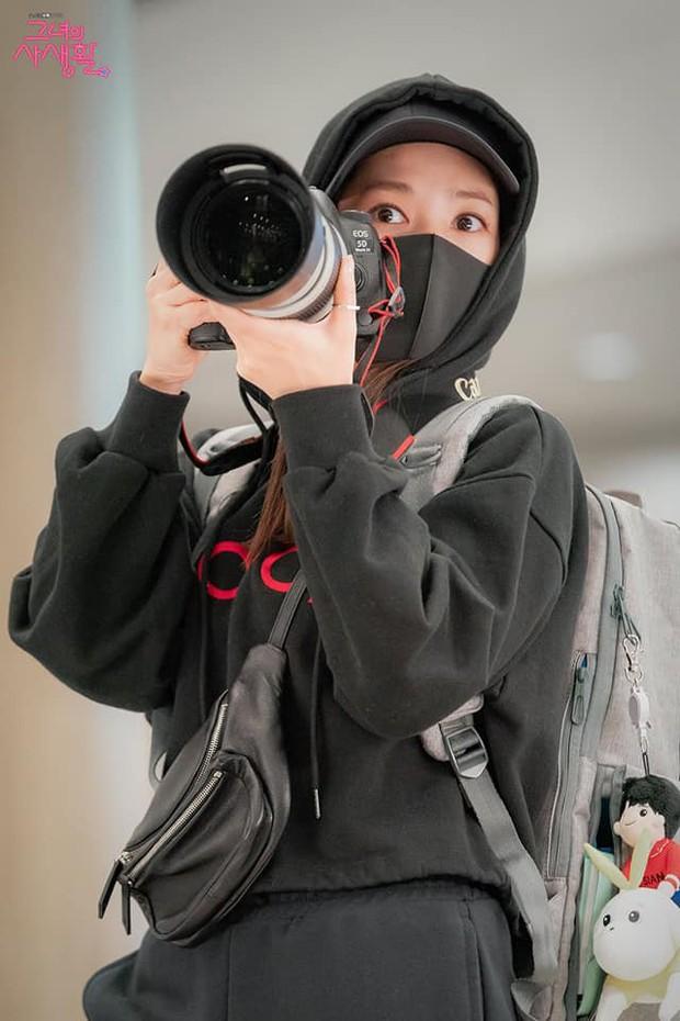 Phim về fangirl Her Private Life bị chính master fansite bóc mẽ kém thực tế, đến máy ảnh còn chỉnh sai - Ảnh 8.