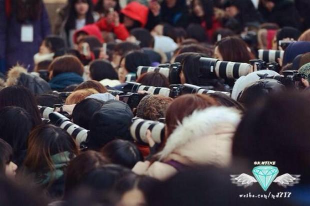Phim về fangirl Her Private Life bị chính master fansite bóc mẽ kém thực tế, đến máy ảnh còn chỉnh sai - Ảnh 14.