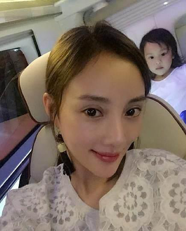 Ủa, hồ ly ngoại tình Lý Tiểu Lộ bất ngờ được netizen Trung khen thanh thuần, ngây thơ??? - Ảnh 9.