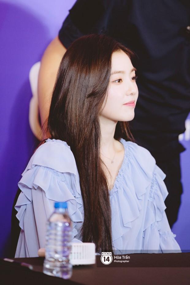 Fansign Red Velvet và dàn idol Kpop tại Sài Gòn: Nữ thần Irene xinh câm nín nhưng vẫn bị mỹ nhân này chiếm sóng - Ảnh 4.