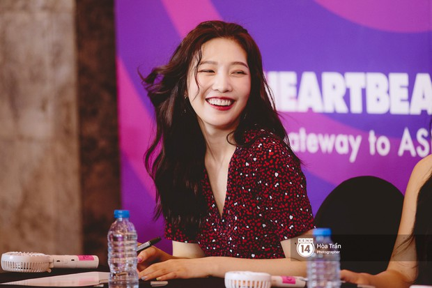 Fansign Red Velvet và dàn idol Kpop tại Sài Gòn: Nữ thần Irene xinh câm nín nhưng vẫn bị mỹ nhân này chiếm sóng - Ảnh 8.