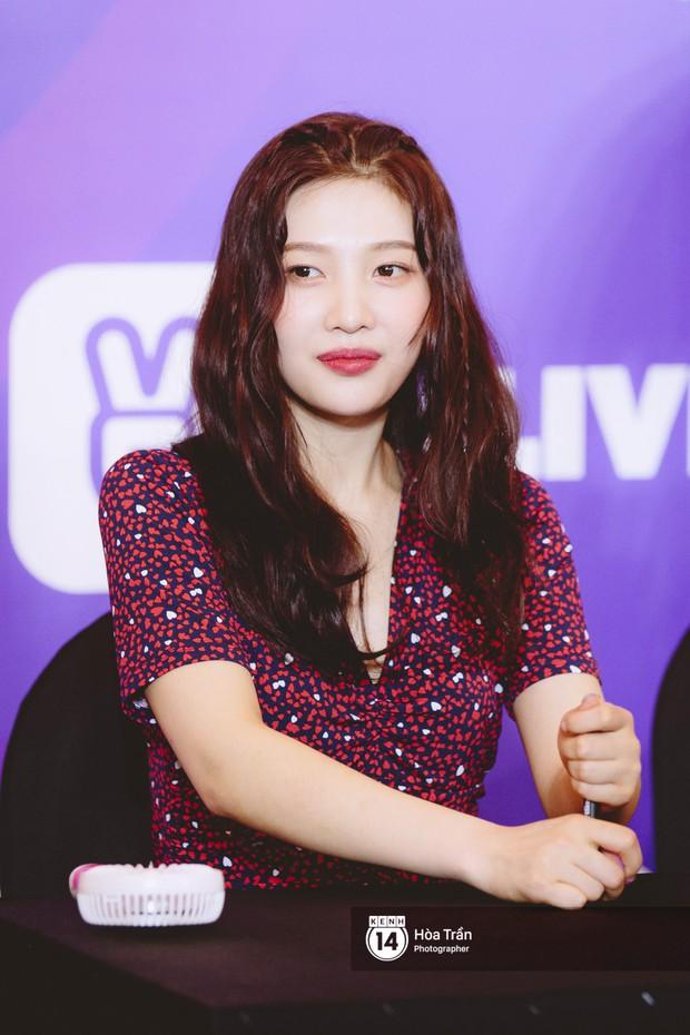 Fansign Red Velvet và dàn idol Kpop tại Sài Gòn: Nữ thần Irene xinh câm nín nhưng vẫn bị mỹ nhân này chiếm sóng - Ảnh 9.