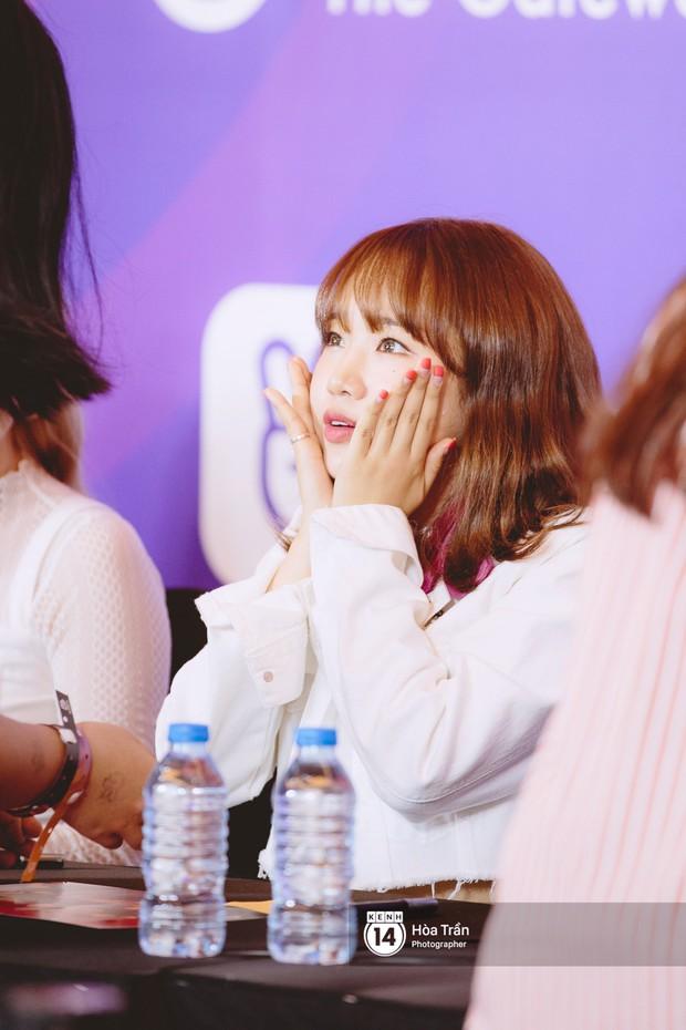 Fansign Red Velvet và dàn idol Kpop tại Sài Gòn: Nữ thần Irene xinh câm nín nhưng vẫn bị mỹ nhân này chiếm sóng - Ảnh 20.