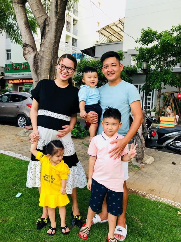 Sao Việt tranh thủ kì nghỉ lễ để đưa hoàng tử, công chúa đi tránh nắng, hào hứng nhất phải kể đến bé thứ 2 - Ảnh 1.