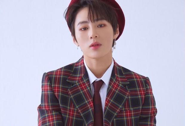 Show âm nhạc Hàn - Việt: Bạn có hẹn với chàng hoàng tử kẹo ngọt Ha Sung Woon và nhóm nhạc phá cách K.A.R.D vào cuối tháng 5 - Ảnh 1.