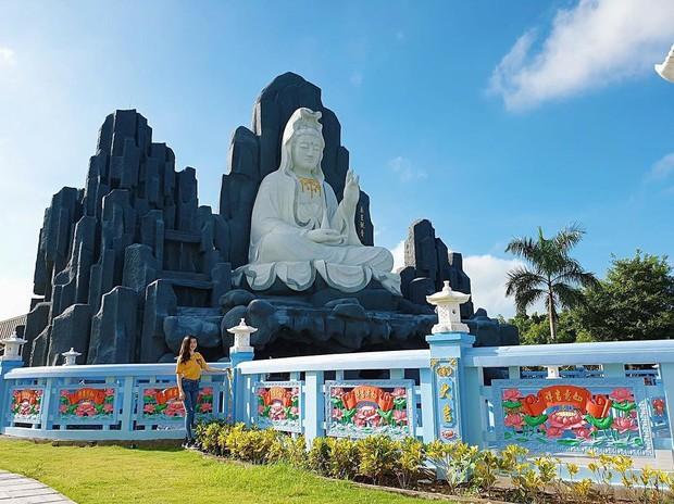 4 ngôi chùa độc đáo ở An Giang chỉ cần đưa máy lên là có ngay ảnh đẹp - Ảnh 20.