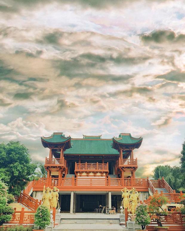 4 ngôi chùa độc đáo ở An Giang chỉ cần đưa máy lên là có ngay ảnh đẹp - Ảnh 7.