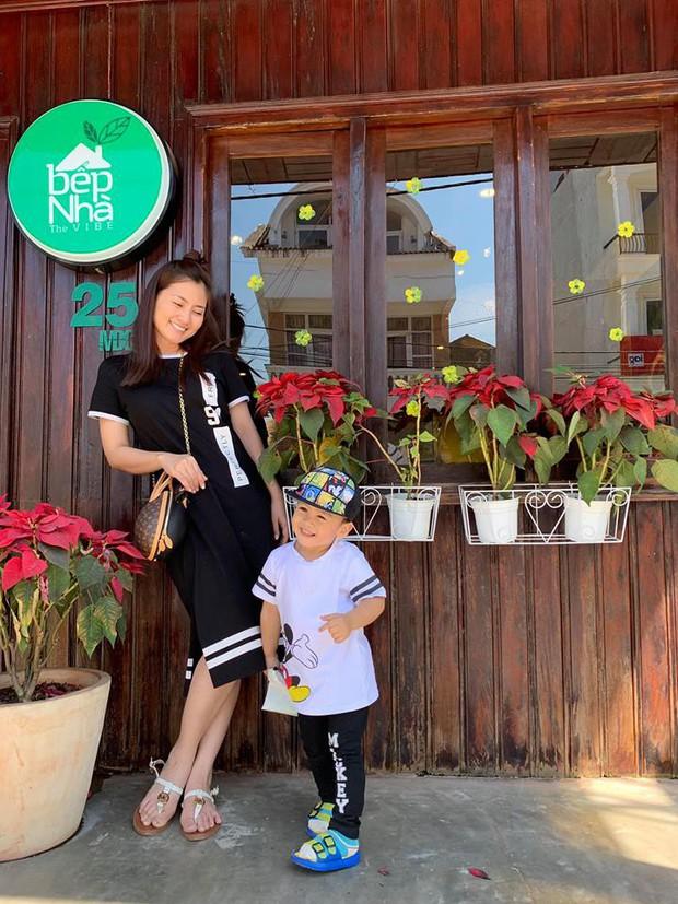Sao Việt tranh thủ kì nghỉ lễ để đưa hoàng tử, công chúa đi tránh nắng, hào hứng nhất phải kể đến bé thứ 2 - Ảnh 5.