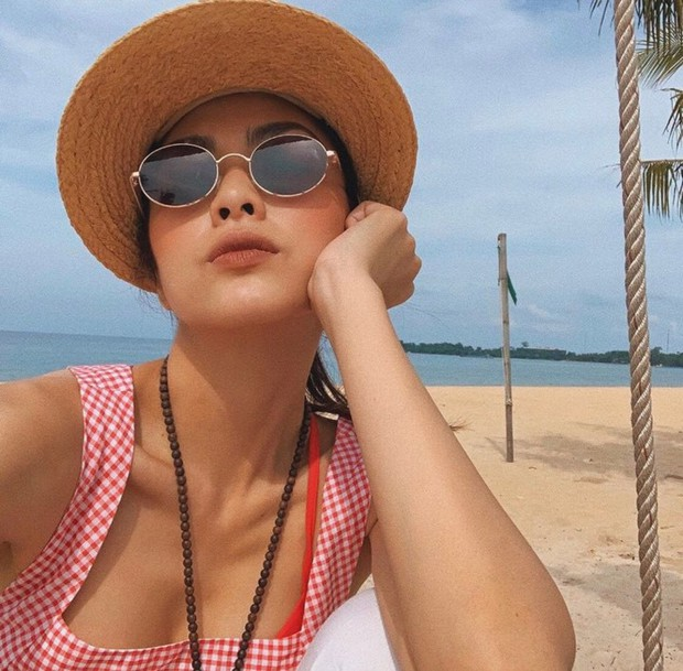 Trông con kỳ nghỉ lễ, Tăng Thanh Hà vẫn không quên khoe khéo dáng ngọc khi diện bikini - Ảnh 2.