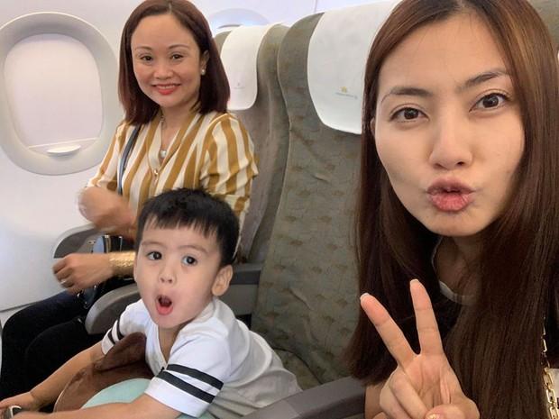 Sao Việt tranh thủ kì nghỉ lễ để đưa hoàng tử, công chúa đi tránh nắng, hào hứng nhất phải kể đến bé thứ 2 - Ảnh 4.