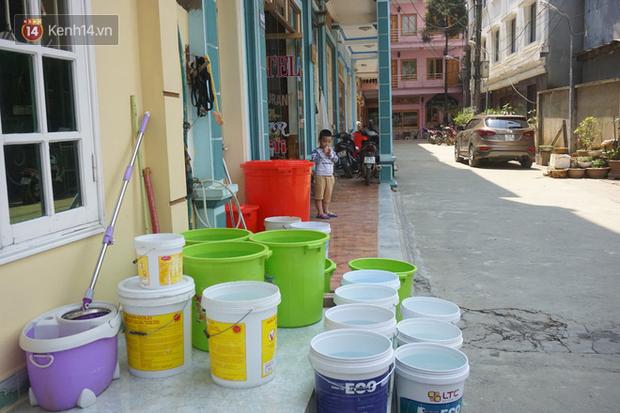 Sa Pa những ngày khát khô nhất lịch sử: Đường phố oi bức khói bụi, khách sạn ế ẩm vì thiếu nước sinh hoạt - Ảnh 8.