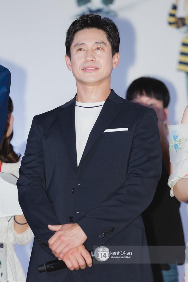 Thảm đỏ hội tụ dàn sao Hàn khủng tại TP.HCM: Lee Kwang Soo lột xác hậu hẹn hò, Trấn Thành được fan săn đón cực nhiệt - Ảnh 9.