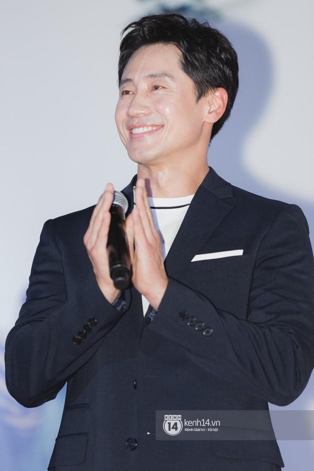 Thảm đỏ hội tụ dàn sao Hàn khủng tại TP.HCM: Lee Kwang Soo lột xác hậu hẹn hò, Trấn Thành được fan săn đón cực nhiệt - Ảnh 10.