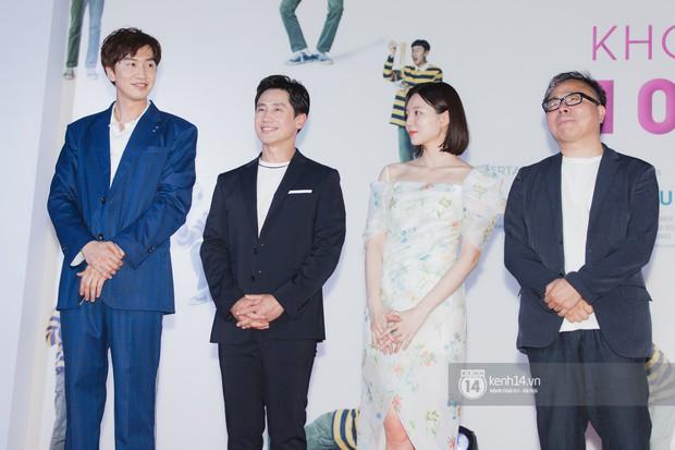 Thảm đỏ hội tụ dàn sao Hàn khủng tại TP.HCM: Lee Kwang Soo lột xác hậu hẹn hò, Trấn Thành được fan săn đón cực nhiệt - Ảnh 14.