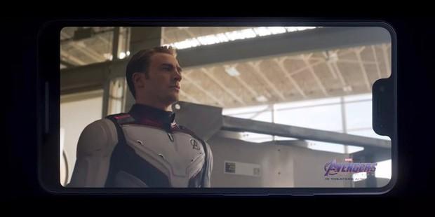 Không phải iPhone, đây mới là chiếc smartphone được lên hình trong Avengers: Endgame - Ảnh 1.