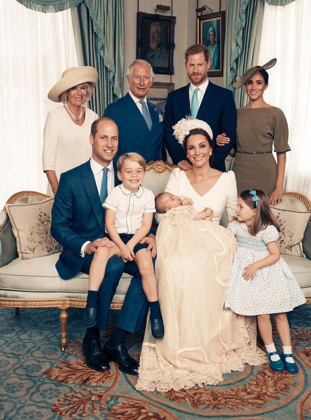 Công nương Kate từng bị chỉ trích khi để công chúa, hoàng tử nhí mặc đồ cũ, nhưng đằng sau đó lại là ý nghĩa cảm động - Ảnh 1.
