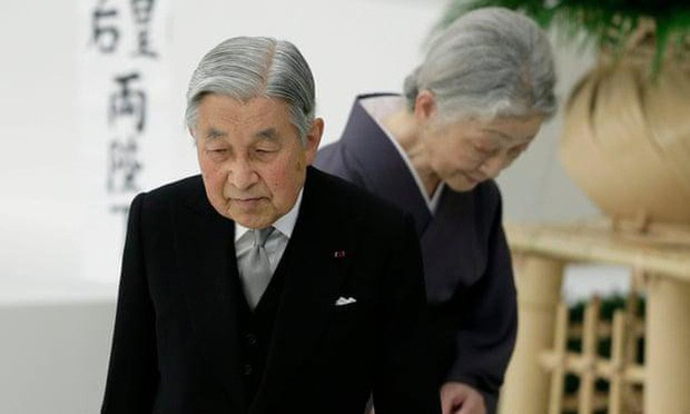 Nhật hoàng Akihito - vị hoàng đế rũ bỏ hình tượng bất khả xâm phạm để đi vào lòng dân và những dấu ấn không thể nào quên trong 30 năm trị vì - Ảnh 6.