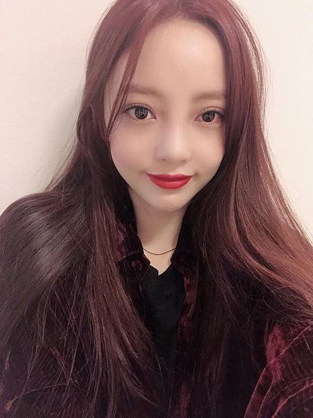 Hiếm lắm mới có nữ idol đình đám Kpop công khai việc dao kéo, lại còn khoe kết quả lên Instagram - Ảnh 1.