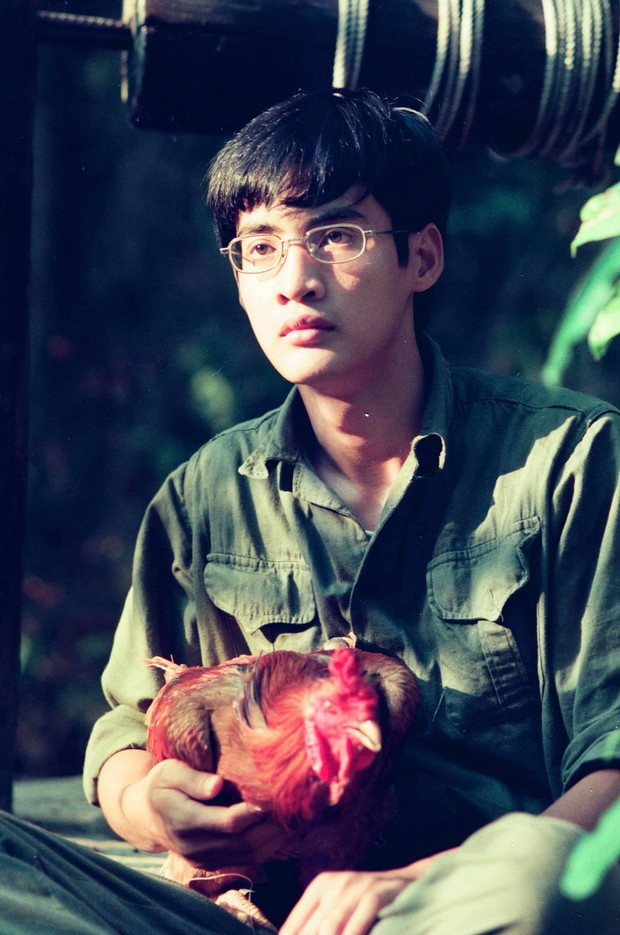Tin được không, 20 năm trước bác sĩ Hải của Hậu Duệ Mặt Trời bản Việt đẹp trai như một soái ca ngôn tình - Ảnh 8.