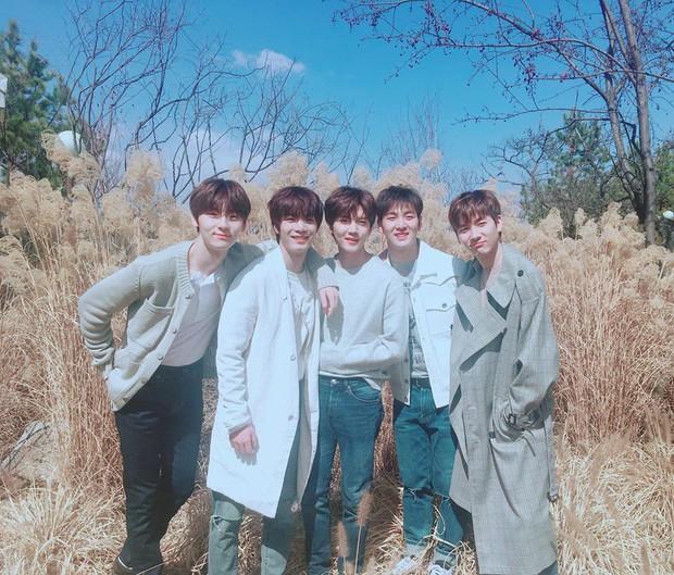 Nhóm nam nào sau Wanna One vừa vượt qua BTS và EXO để lập thành tích xưa nay hiếm trên YouTube? - Ảnh 2.