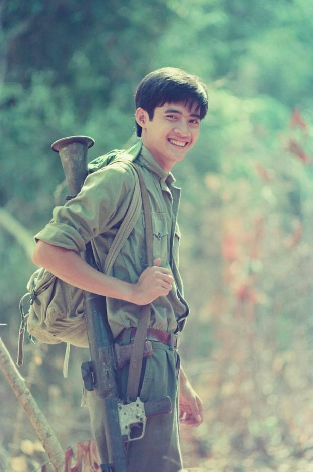 Tin được không, 20 năm trước bác sĩ Hải của Hậu Duệ Mặt Trời bản Việt đẹp trai như một soái ca ngôn tình - Ảnh 12.