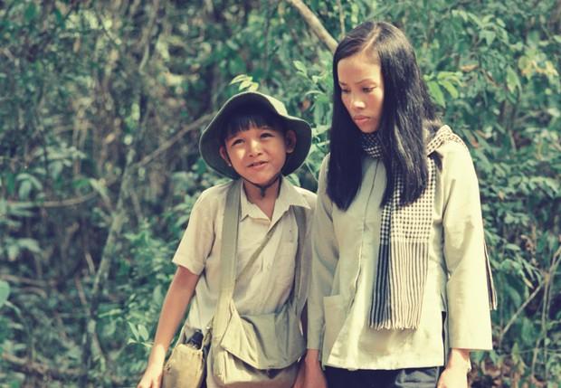 Tin được không, 20 năm trước bác sĩ Hải của Hậu Duệ Mặt Trời bản Việt đẹp trai như một soái ca ngôn tình - Ảnh 16.