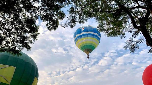 Choáng ngợp toàn tập với lễ hội khinh khí cầu siêu hoành tráng tại Huế trong dịp 30/4 & 1/5 - Ảnh 13.