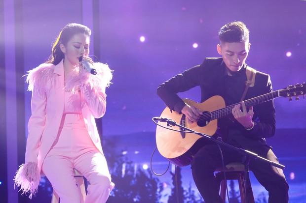 Trời sinh một cặp: Quản lý của Hòa Minzy gây bất ngờ với giọng hát không thua ca sĩ - Ảnh 9.