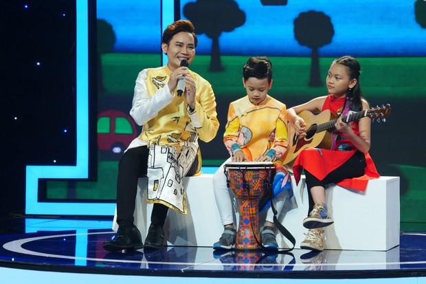 Trời sinh một cặp: Quản lý của Hòa Minzy gây bất ngờ với giọng hát không thua ca sĩ - Ảnh 7.
