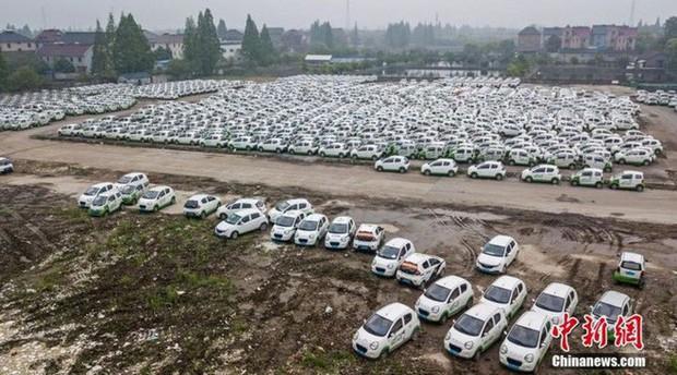 """Trung Quốc: Hàng trăm xe điện bị """"xếp xó"""" vì hậu quả của nền kinh tế chia sẻ phát triển chóng mặt - Ảnh 4."""