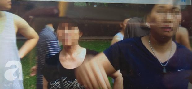Hà Nội: Ông lão 81 tuổi bị người dân bắt quả tang sàm sỡ cô gái tâm thần trong nhà vệ sinh công cộng - Ảnh 1.
