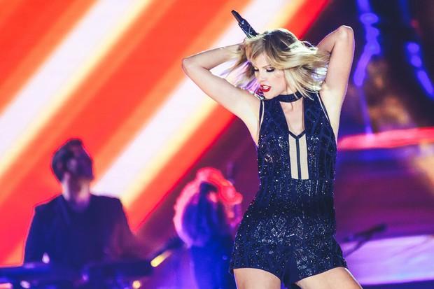 Hãy chuẩn bị tinh thần: Taylor Swift quyết chiến Ariana Grande tại Billboard Music Awards 2019! - Ảnh 1.