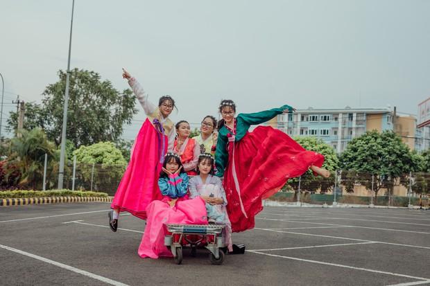 Bộ ảnh kỷ yếu xuyên thời gian ấn tượng của học sinh Đắk Lắk: Xuyên không về thời hiện đại, các công tử tiểu thư hóa… dancer! - Ảnh 5.